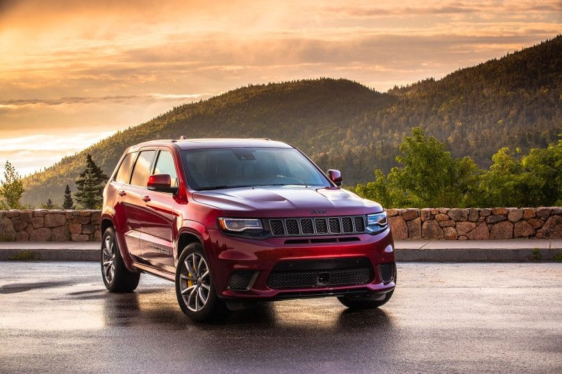 2018-Jeep-Grand-Cherokee-Trackhawk-05
